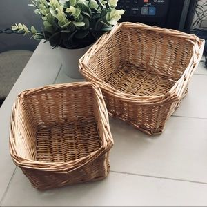 Woven straw basket set of two
